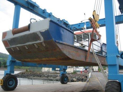 moorings-work-boat-b4.jpg